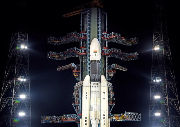 Chandrayaan-2 lunar mission launch delayed due to technical snag © EPA