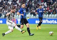 Juventus's Gonzalo Higuain (L) scores the goal of 1-0 during the Italian Serie A soccer match Juventus FC vs Atalanta at Allianz Stadium in Turin, Italy, 14 March 2018 ANSA/ALESSANDRO DI MARCO (ANSA)