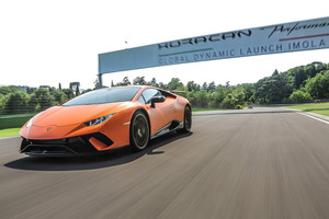 A Lamborghini Huracan Performante l'Innovation Award (ANSA)