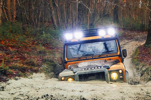 Land Rover Defender, impossibile cancellare l'icona dell'off-road (ANSA)