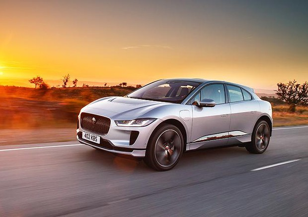 Suv EV Jaguar i-Pace, elettrizzante su strada e in off-road © JLR Press