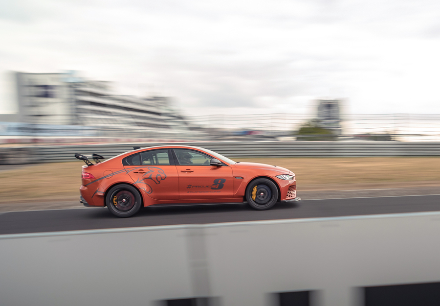 Jaguar XE SV Project 8, nuovo record berline a Neurburgring © Ansa