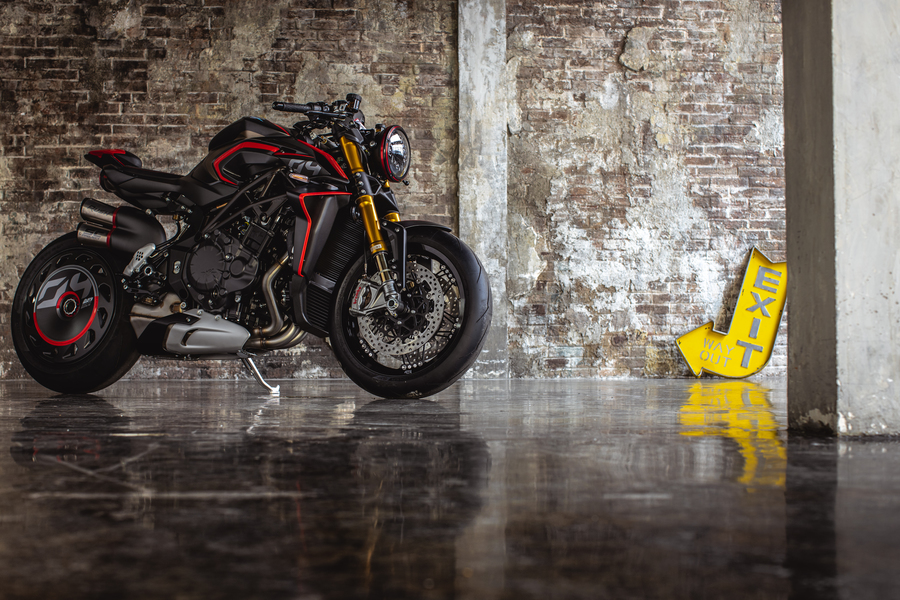 MV Agusta Rush 1000, la hyper naked ispirata a 'drag strip' © Ansa