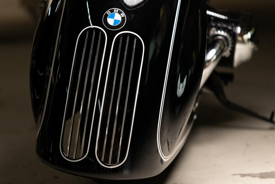 BMW R18, 'Spirit of Passion' è versione di Kingston Custom © Ansa