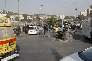Car incident at police checkpoint in Jerusalem (ANSA)